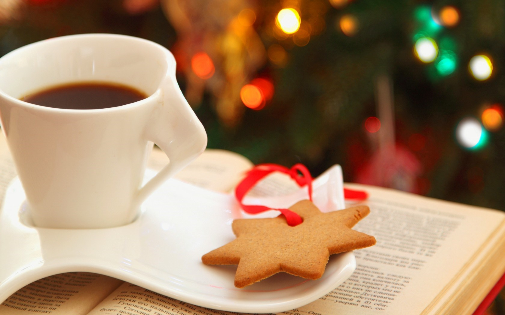 7008972-cup-coffee-cookies-star-book-lights-bokeh-christmas